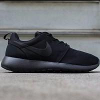 Sepatu Nike Roshe Run For Men - Full Black