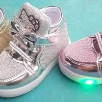 harga Sepatu Lampu Nyala Hello Kitty Anak Bayi Baby Light Shoes Boot Bot A88 Tokopedia.com
