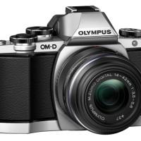 Kamera Olympus OMD EM 10 ; OM-D E-M10 + 14-42mm II R ; Mirrorless 16MP