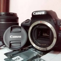 Kamera Canon EOS Kiss X7 / EOS 100D + Lensa Kit 18-55 IS STM Hitam