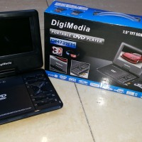 Digimedia 7.5 Inch TFT Screen Portable Dvd Player