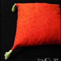 Sarung Bantal Batik Emboss dg Tassel 35x35 | Cushion Cover