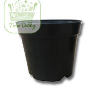 Pot Plastik Tanaman Hitam Ukuran 15 cm