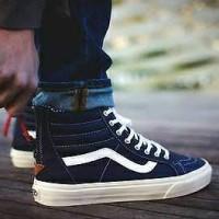 Sepatu Sneakers Pria Vans SK8 Zip CA Premium BNIB