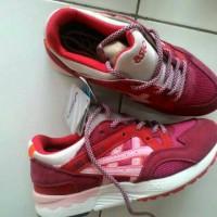 Sepatu Cewek Asics Gel Lyte Import.