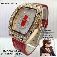 jam tangan Richard Mille Syahrini kulit