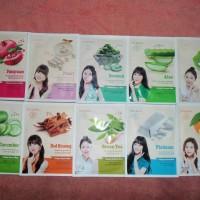 Masker CELEBON Collagen Essence Mask, Made In Korea
