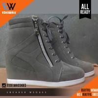 sneaker hidden wedges nike adidas platform heels kets
