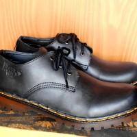 Jual Sepatu Boots Docmart Dr Martens 3 hole / lubang - Kulit - pria wanita Murah