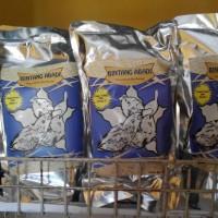 Pakan Lolohan / Hand Feeding Burung Bintang Abadi
