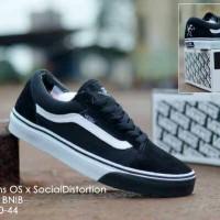 sepatu sport vans old skool social distortion icc premium