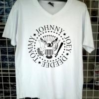 Jual Kaos Vneck Ramones johnny W logo 1D Tshirt Distro clothing Murah