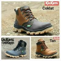 sepatu tracking kickers boots safety hitam coklat kerja pria