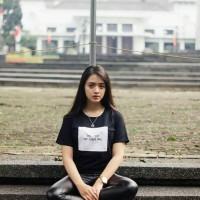 """Tumblr Tee / T-shirt / Kaos """"Die - die my darling"""" in Black"""