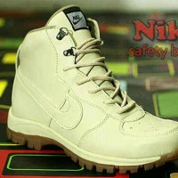 harga Sepatu boot trendy Nike hyperdash cream kulit buk asli Tokopedia.com