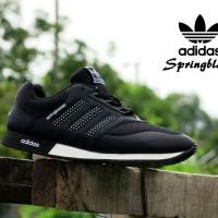Sepatu Sport Adidas Springblade Hitam Putih / casual pria