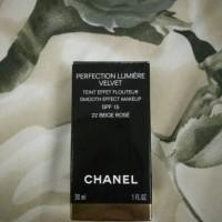 Chanel Perfection Lumiere Velvet 22 Beige Rose