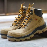 SEPATU BOOT KICKERS TREKKING LEATHER SUEDE SAFETY LEATHER V5