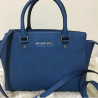 michael kors selma medium teal blue ( mk bag authentic original)