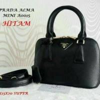 tas wanita/tas kerja/handbag/selempang Prada aLma super