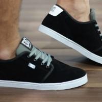 sepatu pria DC original premium hitam putih