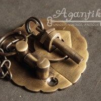 Grendel Kunci Slot Peti Kotak Perhiasan Kuningan Antik