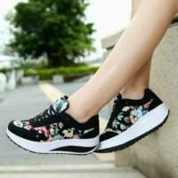 Sepatu Bunga Hitam in06