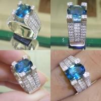 Cincin Emas Putih Kombinasi Berlian Eropa Dan Batu Blue Topaz London