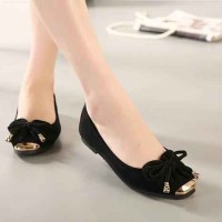 Flat Shoes Kupu-Kupu Hitam