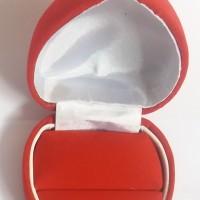 Cincin Love merah beludru