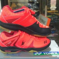 sepatu bulu tangkis / badminton yonex shb sc merah original