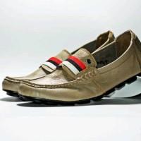 Sepatu bally mocassin krem sintetis casual santai kerja main pria