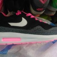 sepatu nike air max lunar cewek wanita woman hitam putih pink vietnam
