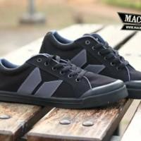 Macbeth Vegan Black Grey 39 - 43
