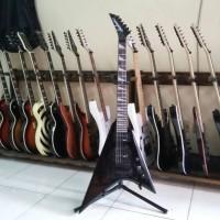 harga Gitar Elektrik Jackson Flying V RR Black Tokopedia.com