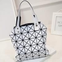 tas tenteng asymetric wanita korea jepang modern fashion blogger putih
