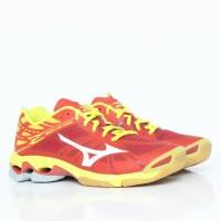 sepatu mizuno wave lightning z low merah