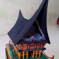 Miniatur rumah adat Batak Toba ukuran besar