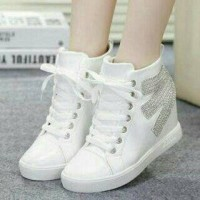 Sepatu Boots White Luna