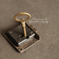 harga Kunci Lemari / Kunci Laci Kuningan Antik (2,5 cm) Tokopedia.com