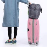 tas koper (tas extention yang dikaitkan diatas koper)