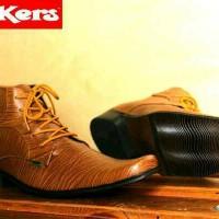 Sepatu Pantofel Pria Kickers Suite