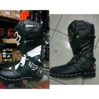 harga sepatu motocross
