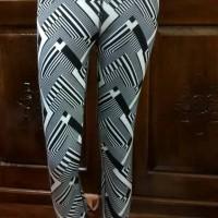 90 Degree Legging Yoga By Reflex Black White