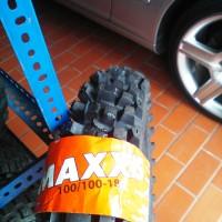 BAN LUAR MOTOR CROSS / TRAIL Ukuran 100/100-18 merk MAXXIS M-7305