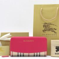 Dompet Burberry Haymarket Check Ziparound Pink PB269