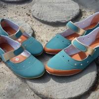 harga couple shoes ibu dan anak tosca strap Tokopedia.com