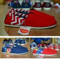 Sepatu Wakai motif dan polos