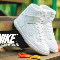 sepatu sport casual wanita nike dunk sky hi wedge full white