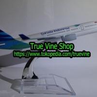 Miniatur (Diecast/Die Cast) Pesawat Terbang GARUDA INDONESIA (BESI)